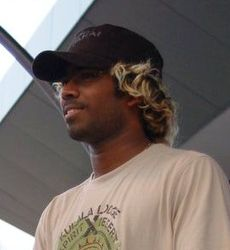 http://cricketique.files.wordpress.com/2011/01/230px-lasith_malinga_portrait-wikipedia.jpg