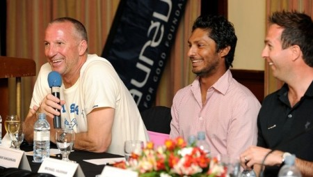 Former England cricketers Ian Botham (L)
