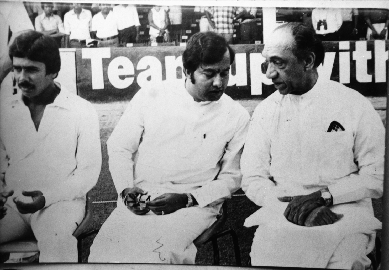 Sri Lankan Stars recollect First Test vs England in February1982 |  Critiquing Cricket