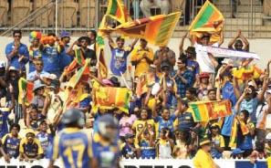 SL fans in MCG