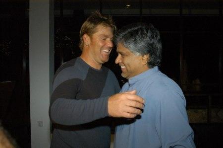 warne hugs Arjuna