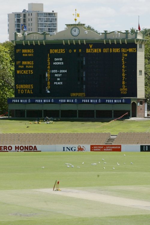 125a  Adelaide Oval &Hookes