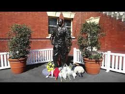 benaud Statue TODAY