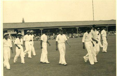 10 Ceylon team walks out '48