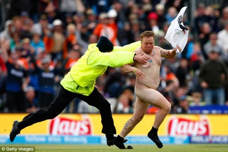 STREAKER 2-AFP GETTY