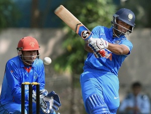 Kolkata: India's Rishab Pant plays a shot against Afghanistan during their match of U-19 Cricket Tri-series Cricket Tournament in Kolkata on Saturday. PTI Photo by Swapan Mahapatra (PTI11_21_2015_000149B)
