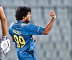 Sri Lankan cricket captain Lasith Malinga reacts after the dismissal of the United Arab Emirates cricketer Rohan Mustafa during the match between Sri Lanka and United Arab Emirates at the Asia Cup T20 cricket tournament at the Sher-e-Bangla National Cricket Stadium in Dhaka on February 25, 2016. AFP PHOTO/Munir uz ZAMAN / AFP / MUNIR UZ ZAMAN