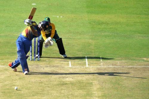 CHAMARI batting vs Safs