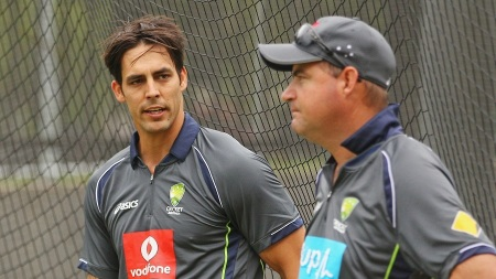 MELBOURNE, AUSTRALIA - DECEMBER 24:  Mitchell Johnson of Australia talks with Australian coach Mickey Arthur during an Australian training session at the Melbourne Cricket Ground on December 24, 2012 in Melbourne, Australia.  (Photo by Scott Barbour/Getty Images)